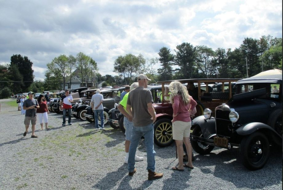 4th Annual Classic Car Show Hosted by the Adirondack A's Model A Ford Club @ Lakeside Farms Cider Mill | Ballston Lake | New York | United States